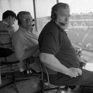 Juhani Sipilä ja Paavo Noponen Suomi-Ruotsi-maaottelussa Helsingin Olympiastadionilla.