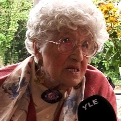 Titanicilta pelastunut Millvina Dean vuonna 2009.