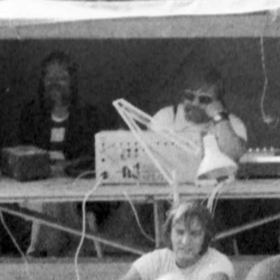 Matti Sarapaltio Keimolan rockfestivaalin miksauskopissa (1973).