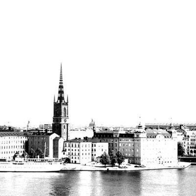 Tukholman kaupunki. Kuva: Riku Kaminen 2003. Kuva manipuloitu