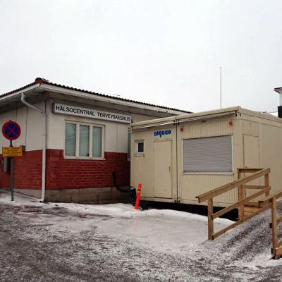 En tillbyggnad vid hälsocentralen i Ingå där man sköter infektioner.