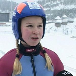 Mäkihyppääjä Julia Kykkänen vuonna 2008