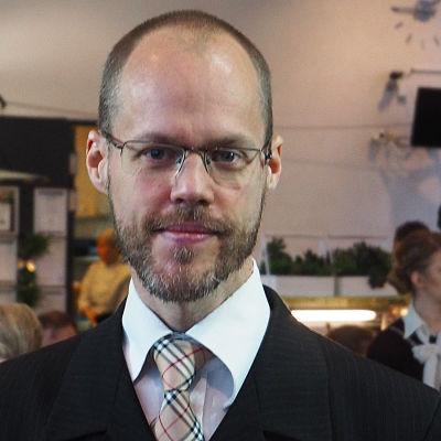 Säveltäjä Uljas Pulkkis.