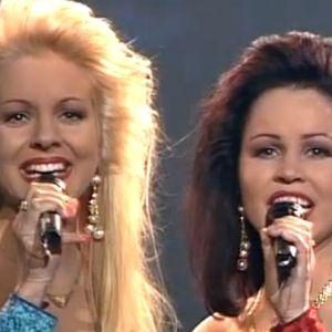 Katja ja Virpi Kätkä laulavat euroviisukarsinnoissa 1994.
