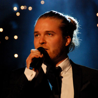 Teemu Roivainen esitti Finaalin karsinnassa kappaleen Tiimalasi