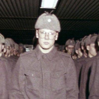 Alokkaita rivissä (1982).