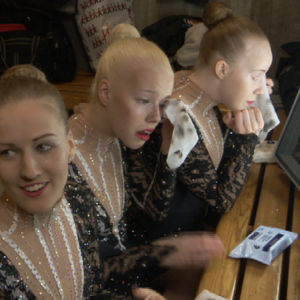 Testaajina Kolme kovaa naisvoimistelijaa: Roosa Yli-Juuti, Jaana Hillebrandt ja Tuulikki Muurman.