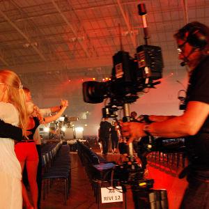 tanssijoita ja kameramies