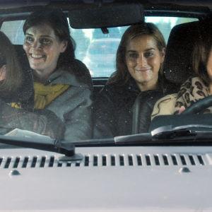 Syke-sarjan ohanna Alanko (Leena Pöysti), Marleena Ranta (Tiina Lymi), Iiris Ketola (Iina Kuustonen) ja Lenita Pakkala (Lena Meriläinen).