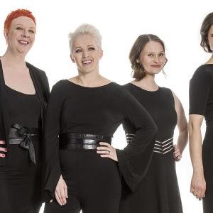 Anna Perhon Kyselytunti: Jenni Kokander, Anna Perho, Suvi West ja Olga Temonen