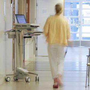 Vårdpersonal på sjukhus.