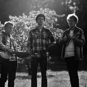 Svartvit bild av bandet Antonius Block.