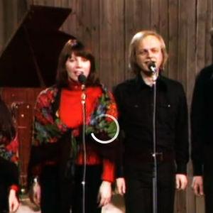 Agit-Prop laulaa ohjelmassa Sydämet saata hehkumaan vuonna 1975.