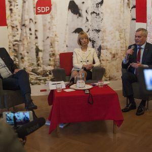 SDP:s ordförandekandidater debatterar.