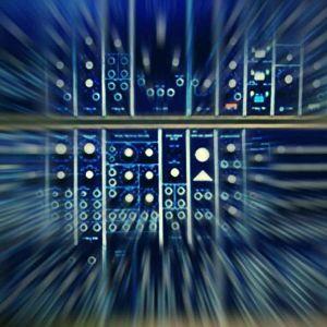 Modulaarinen Moog -syntesoija, käsitelty kuva