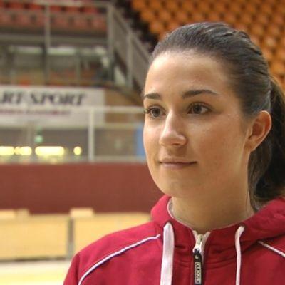 Ellen Nurmi spelar basket i Esppo United