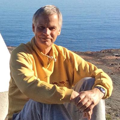 Peter Joutsi på stranden