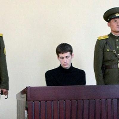 Amerikan inför domstol i Nordkorea