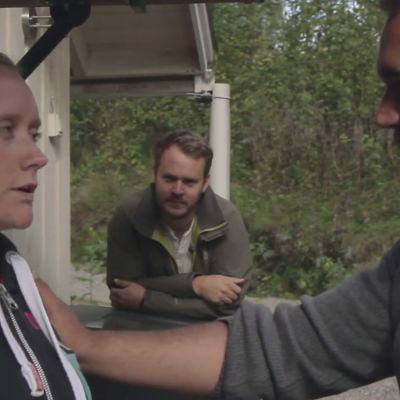 Isa, Emil och Dan diskuterar analsex.