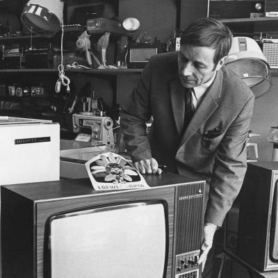 Kodinkonekauppa 1960-luvun alussa.