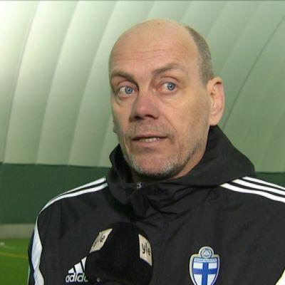 Keijo Karvonen tränar Vasa IFK:s damer.