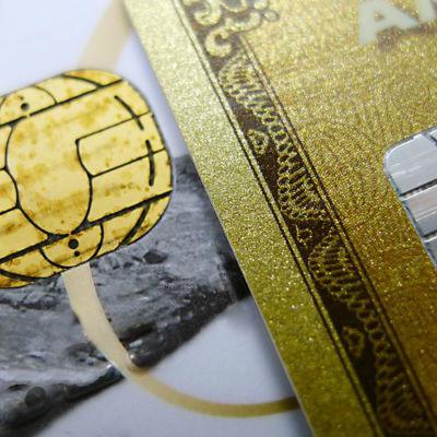 Närbild av ett betalningskort