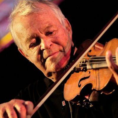 Svend Asmussen spelar violin