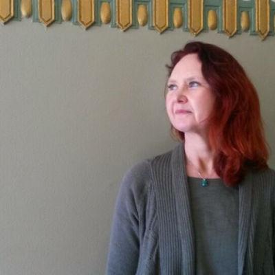 Camilla Granholm, forskare vid Helsingfors universitet, anser att digitalisering behövs inom den finländska socialtjänsten.