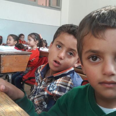 Barn i en skola i Haas, Idlib.