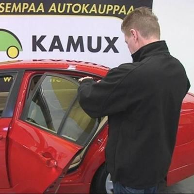 Kamux är en kedja som säljer begagnade bilar.