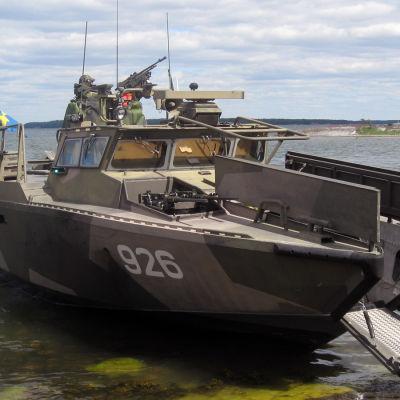 Svensk stridsbåt (CB90) i Syndalen under Baltops-manövern i Hangö, juni 2016.