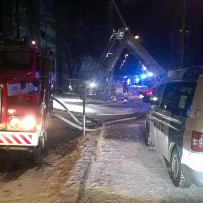 Anlagd brand i sjuvåningshus i Riihimäki