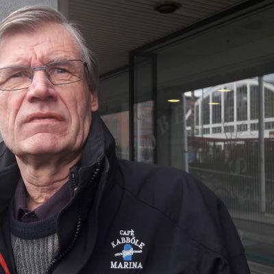 Ulf Ljung är nämndeman i Helsingfors tingsrätt.