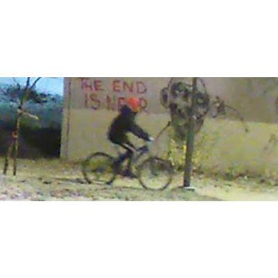 Person på cykel i tunnel