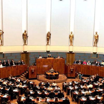 Riksdagens plenisal under ungdomsparlamentet.