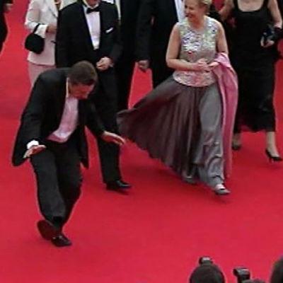 Aki Kaurismäki Cannesin punaisella matolla