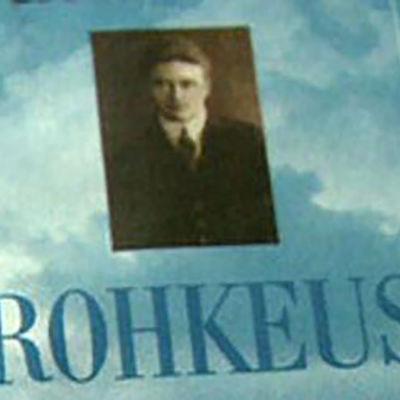 Arndt Pekurisesta kertovan kirjan kansi.
