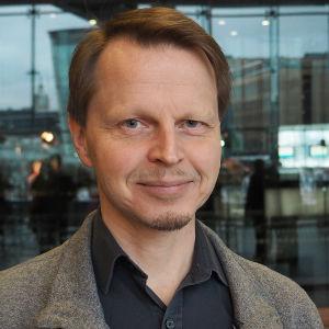 Säveltäjä Veli-Matti Puumala.