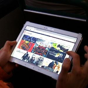 Pilvessä olevat pelipalvelut toimivat myös mobiililaitteissa.