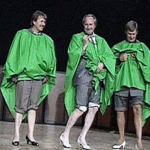 Vuoden isä -kandidaatit keikistelevät korkokengissä.