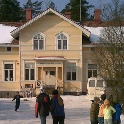 Västersundoms skola.