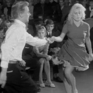 Tanssipari tanssimassa jiveä Haka-kerhossa 1959.