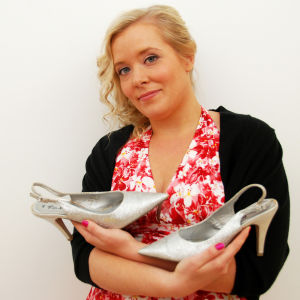 Nainen ja kengät