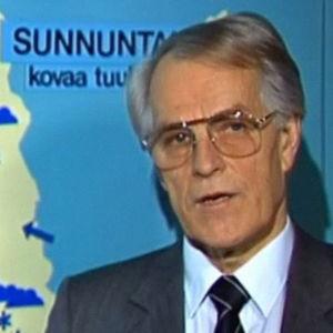 Meteorologi Erkki Harjama vuonna 1987.