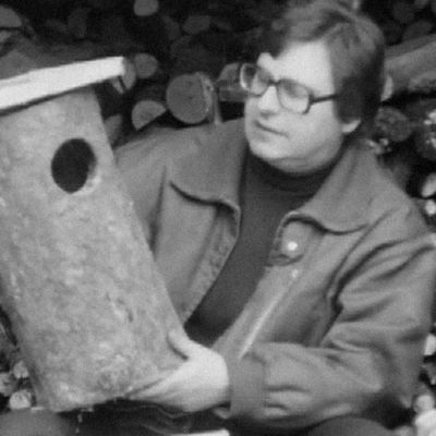 Esitellään pöllökokoinen linnunpönttö Eräruutu-ohjelmassa vuonna 1973.