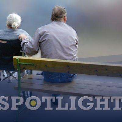 Lyftbild 1 för spotlight granskar