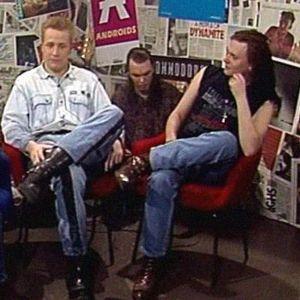Yö-yhtye Heli Nevakareen haastattelussa.