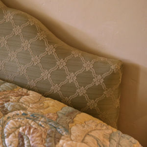 Agatha Christies säng i Greenways sovrum.