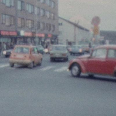 Autoja Rovanimen keskustassa vuonna 1979.