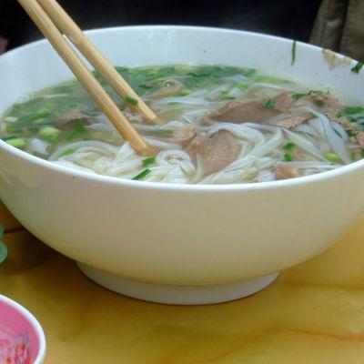 Pho bo, vietnamesisk nudelsoppa med nötkött